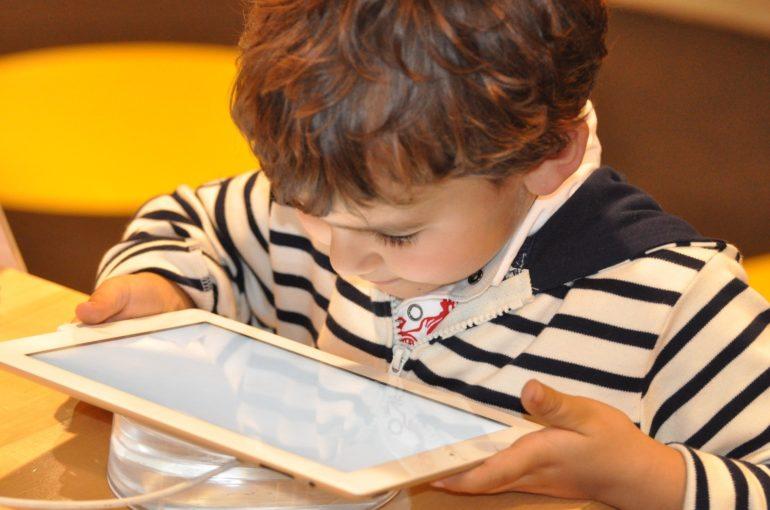 Los nativos digitales son la primera generación con un coeficiente menor al de sus padres.