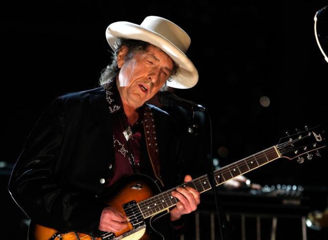 Bob Dylan y Universal Music hacen un trato histórico.