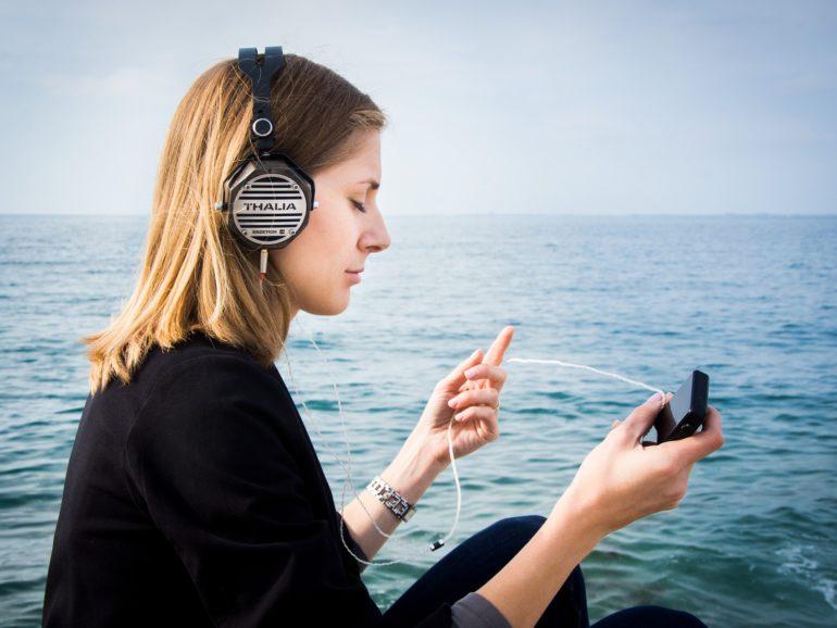 Audiolibros y las mejores plataformas para escucharlos