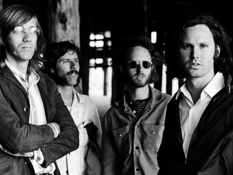 Set The Night on Fire: Recordando a The Doors, un memoir de Robby Krieger