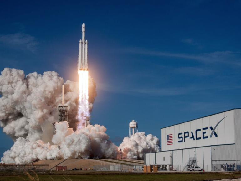 La publicidad llega al espacio gracias a satélite de SpaceX
